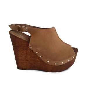 Charles David Made in Italy Tan Wooden Wedges
